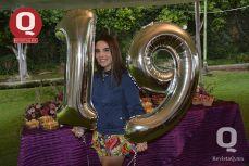 Andrea López se mostró feliz en su fiesta de cumpleaños