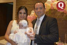 La pequeña Bárbara Azua, Zaira Sánchez y Arturo Azua