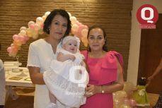 Maricarmen Becerra, Martha Reyes y la pequeña Bárbara Azua