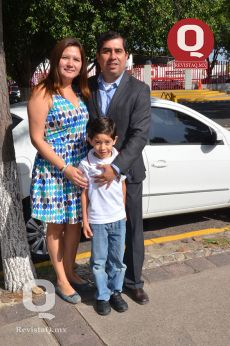 Claudia Manzanares, Abelardo Barrios y Leonardo Barrios