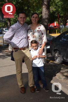 Efraín Gutiérrez, Benjamín Gutiérrez y Jessica Arechiga