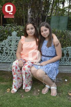 María Paula Barrientos y Michelle Castro