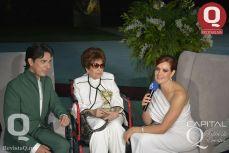 Eduardo Villegas, la Sra. Esthela Gamiño y Lorena Gómez en medio de una entrevista para TV4