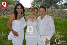 Guadalupe Arellano con Isabel Moreno y el Dr. Carlos Oaxaca