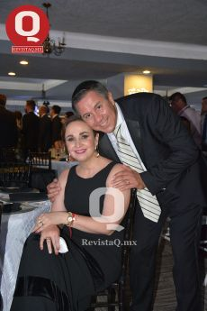 Adrián Serrano y Mónica Espinoza