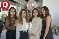 Lulú Morales, Gisella Márquez, Farah Márquez y Regina Márquez