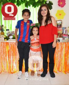 Diego Orozco, Valentina Orozco, la cumpleañera y Azul Orozco