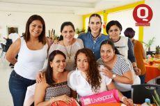 Paty Vaca, Yolanda García, Lilián Pulido, Esmeralda Muñoz, Rosy Vera, Gaby García y Elena Padilla