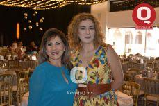 Sara Elena Ramírez con Araceli Alonso