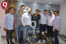 César Pereda, Javier Kelly, Enrique Valencia, Víctor Torres, Miguel Valencia, Jorge Valencia y Fernando Cárdenas