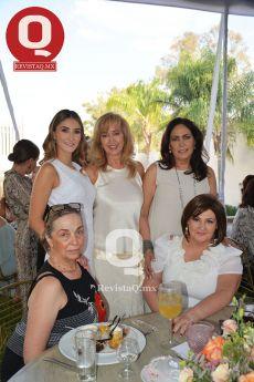 Mariana Torres  Landa, Maricela Aranda, Maricarmen Varela, Carmen Ross y Paty Romero