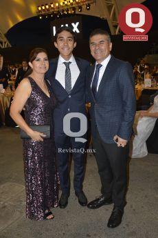 Alicia Hernández, José Ernesto Sandoval y Ernesto Sandoval