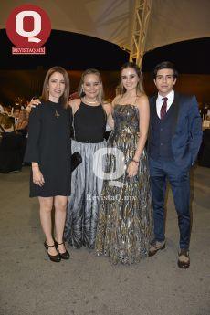 Liz González, Margarita Lozano, María Méndez Lozano y Diego Medina