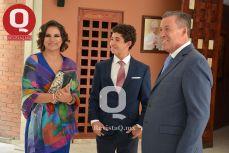 Marcelo Aguirre con sus padrinos  Maru Carreño y Miguel Márquez