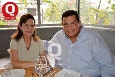 Alicia García junto a Enrique García