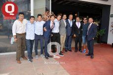 Amigos acompañando a Marcelo Aguirre en una tarde muy especial