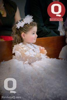 Hermosa Lucerito Estefanía en la presentación al templo por sus 3 añitos