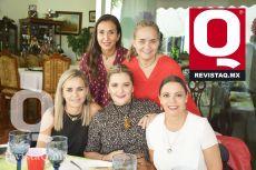 Claudia Obregón, Margarita Lozano, Lourdes Lozano, Miriam Rojas y Maqui Osorio