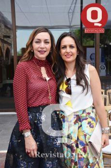 Erika Flores y Claudia Flores
