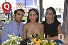 Héctor Alonso Tovar, María Elena Flores y Mayté Contreras