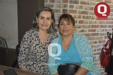Margarita Camacho  con Ana María Aguilar