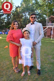 Fernanda Espinosa y Andrew Vizcarra padrinos de Valentina Espinosa
