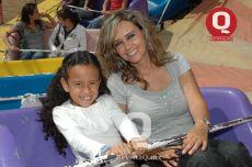 Claudia Razo y Lora Mora