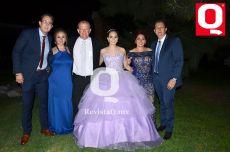 Christian Magaña, Karla Magaña, Vacilo Magaña, María Fernanda, Margarita García y  Vacilo Magaña Jr.