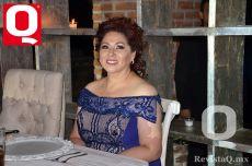 La mamá de la quinceañera, Margarita García de Magaña