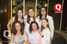 A Claudia Díaz de León, Sandra Sandoval, Alejandra Sandoval, Tatiana Padilla, Bielka Padilla y Luciana Padilla