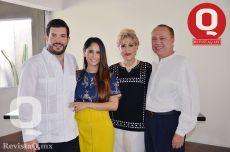 Roberto Vallejo, Natalia Moreno, Laura de Moreno y José Moreno