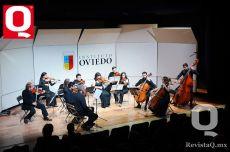 La Orquesta de Cámara de León, durante el concierto de clausura en el Instituto Oviedo
