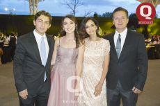 Alexis Jiménez, Anahí Jiménez, Ana María González e Hilarión Jiménez