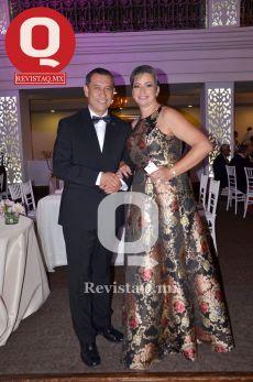 Gregorio Vargas Sánchez y Eloíza González de León, papás de la festejada