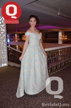 La quinceañera, Ana Sofía Vargas, lució un hermoso vestido