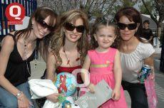 Familia Loza, Isela Loza y Regina Torres Loza