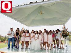 Bárbara Hernández, la nueva Reinita Infantil del Club Campestre con sus princesas