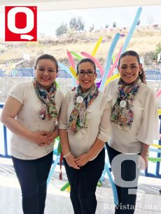 Miss Claudia Álvarez, Miss Karina Guevara y Miss Tony Piter, coordinadoras de primaria