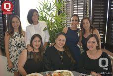 Carolina Terán, Ale Zárate, Sara María Ríos, Anel Treviño, Malú Valdovino, Paulina Gallardo y Pamela Martina