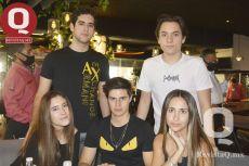 Gerardo Perales, Paulo Vallejo, Claudia Hernández, Sebastián Rodríguez y Constanza Ortega