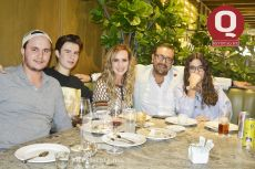 Juan Pablo Vargas, Santiago Vargas, Suny Padilla, Nacim Shehin y Paula Vargas