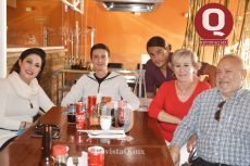 Lucy Ramírez, Alan Morales, Raziel Vargas, Chela Ramírez y Carlos Vargas