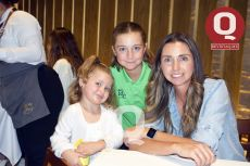 Martina Galdeano, Cayetana Galdeano y Maribel Autrique
