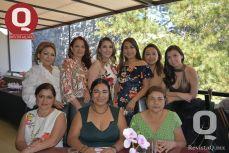 Lupita Zetina, Gloria González, Fernanda Farías, Norma Farías, Valeria Torres, Sofía Farías y Roy Ramírez