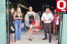 En el corte de listón, Karen Ortega, Claudia Castañeda y Oswaldo Castañeda