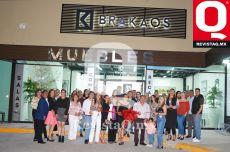 Inauguración de mueblería BRAKAOS