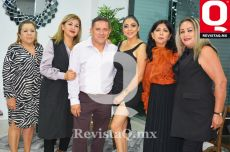 Vicky Ortega, Paty Ortega, Oswaldo Ortega, Claudia Castañeda, Nelly Ortega y Mercedes Ortega