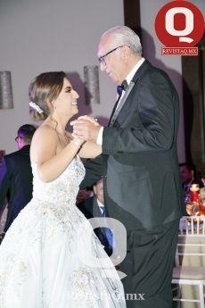 La quinceañera, Regina García y su abuelito, Antonio Ruiz