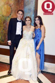 Orlando García, Regina García y Astrid Plascencia