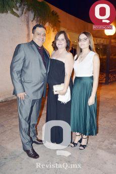Jorge Rivera, Irma Macías y Valentina Rivera